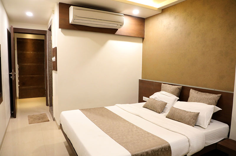 Adarsh Palace Hotel, Bhopal - Deluxe-room2